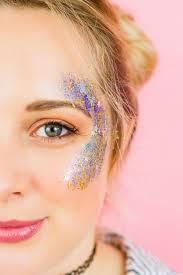 make your own glitter station for your festival wedding glitter