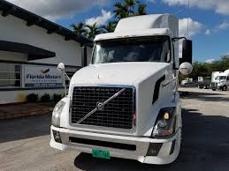 used volvo semi trucks for sale used 2010 volvo vnl 670 tandem axle sleeper for sale in fl 1086