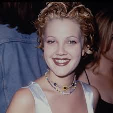 drew barrymore u0027s thin eyebrows were so in the u002790s glamour