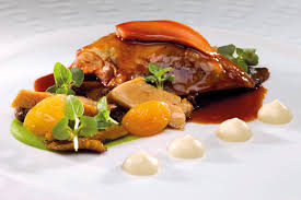 cuisiner le pigeon pigeon au foie gras purées de céleri et petits pois une recette de