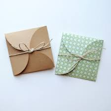 How To Gift Wrap A Present - best 25 necklace packaging ideas on pinterest diy jewelry
