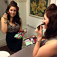Portable Hair And Makeup Stations Finally A Portable Makeup Station That Fits In Your Purse