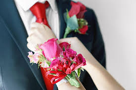 where can i buy a corsage and boutonniere for prom corsages boutonnieres prom corsage near me ftd