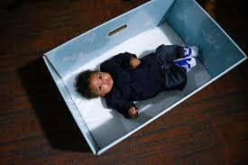 Free Baby Stuff In Los Angeles Ca Baby In A Box Free Cardboard Bassinets Encourage Safe Sleeping