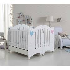 chambre pour jumeaux lits bébé pour jumeaux wonderful de micuna chambre de bébé pour