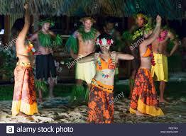 tahitian dancers at intercontinental bora bora le moana resort