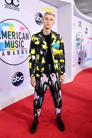Mgk Black Flag Songs Bts Shut Down The Amas Red Carpet In Saint Laurent Machine Gun