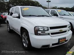 chevrolet trailblazer white 2008 chevrolet trailblazer ss 4x4 in summit white photo 4