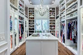 walk in closet chandelier design ideas