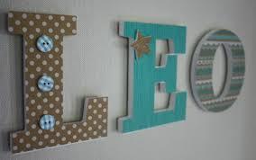 lettre chambre enfant prénom personnalisé lettre en bois léo chambre d enfant de bébé