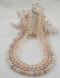 pearl bead necklace images Fine quality single strand rice pearl necklace magnetic clasp jpg