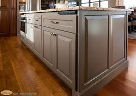 cherry kitchen cabinets 8 cabinets this showplace kitchen