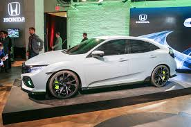 Honda Civic Usa 2017 Honda Civic Hatchback Prototype Revealed In New York