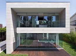 narrow modern house designs decor images on fabulous ultra modern the unique counter trend small concrete block homes architecture picture on stunning modern narrow lot house