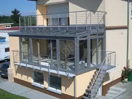 balkon mit treppe geländer stirnseitig vorgesetzt edelstahl balkon treppe handlauf