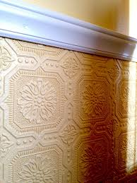 the textured paintable wallpaper i u0027m using beneath our chair rail