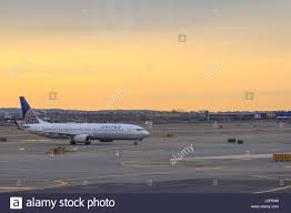 United Airline Stock United Airlines Flight To Newark Stock Photos U0026 United Airlines