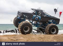 original grave digger monster truck monster truck crush stock photos u0026 monster truck crush stock