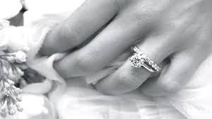 wo tr gt den verlobungsring so bekommst du den verlobungsring den du dir wünschst