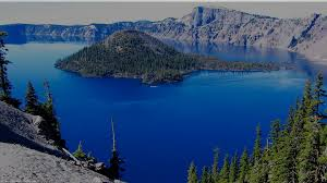 crater lake in western united states most beautiful views