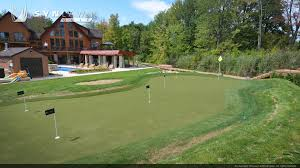 backyard golf chipping course images on amazing backyard mini golf