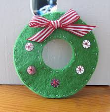 make a felt mini wreath diy tutorial easy felt