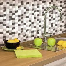 plaque adh駸ive cuisine einfach mosaique adhesive carrelage adh sif une r novation facile