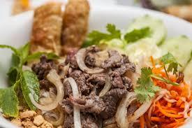 cuisine vietnamienne bò bún un de la cuisine vietnamienne picture of que toi