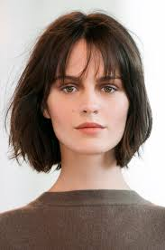 medium short hairstyle with wispy bangs hair world magazine