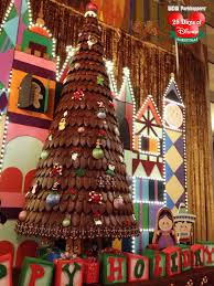 25 days of disney christmas day 4 gingerbread house wdw
