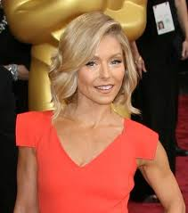 how to get kelly ripa wavy hair 128 best kelly ripa images on pinterest hair cut hair dos and