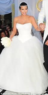 strapless wedding gowns why is the bridal market so flooded with unflattering strapless