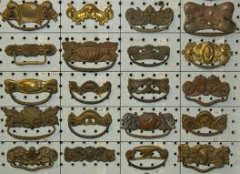 Antique Brass Kitchen Cabinet Pulls by Antique Brass Drawer Pulls Antique Brass Leopard Knob Cabinet