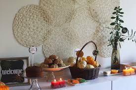 halloween photo backdrops diy how to make a fall backdrop using cheap woven placemats