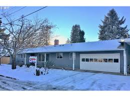 Houses For Sale In Cottage Grove Oregon by 635 N 16th St Cottage Grove Or 97424 Us Eugene Home For Re Max