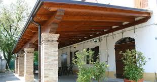 preventivo tettoia in legno ristrutturazioni i vantaggi delle tettoie in legno imprese edili