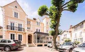 biarritz chambres d hotes hôtel anjou au centre de biarritz avec parking privé