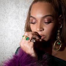 beyonce earrings beyonce wears green walter mendez gown lorraine schwartz earrings
