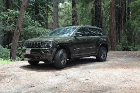 green jeep grand cherokee wk2 limited 75th anniversary edition jeep garage jeep forum