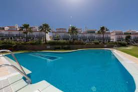 2 bedroom townhouse at cabopino marbella