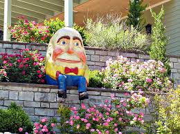humpty dumpty in eureka springs photograph by jo sheehan