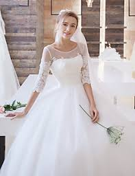 wedding dresses gowns selecting wedding gown matching your type popfashiontrends