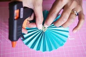 hanging paper fans diy tutorial pretty paper fans rock n roll