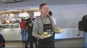 denver rescue mission serves 500 thanksgiving meals cbs denver
