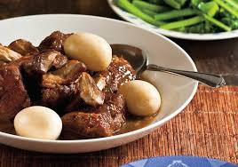 porc cuisine recette ragoût de porc au caramel et aux œufs recettes de cuisine