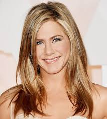 what is the formula to get jennifer anistons hair color jennifer aniston shares her 6 beauty secrets with us byrdie