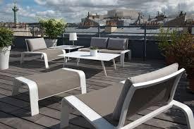 meubles pour veranda entretenir et rénover son mobilier de jardin en métal