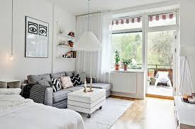 canapé balcon meubler un studio 20m2 voyez les meilleures idées en 50 photos
