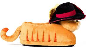 dreamworks puss boots happy feet