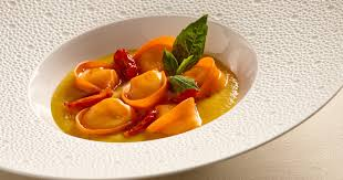 cuisiner les ravioles recette ravioles de burrata cuisine madame figaro